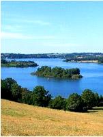 Vue sur le lac de Pareloup (Levezou)